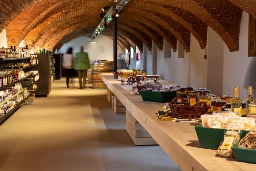 Tisch Genuss Shop & Vinothek