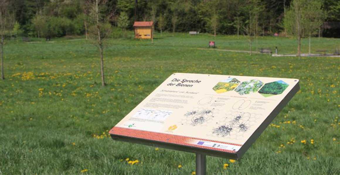 Grottenhof Bienenlehrpfad